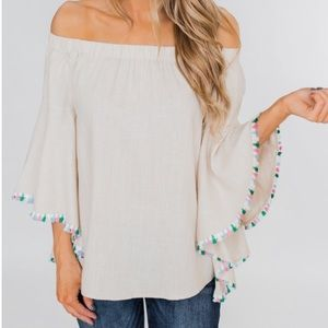 Boutique Boho Off The Shoulder Flowy Sleeves. NWT!